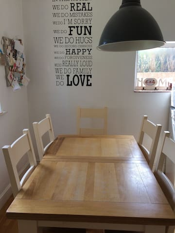 Family Dining with extendable dining table for up to 10 people