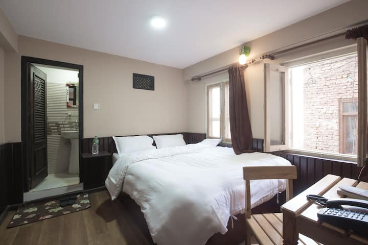 Double Room Bed & 2pax Breakfast Plan