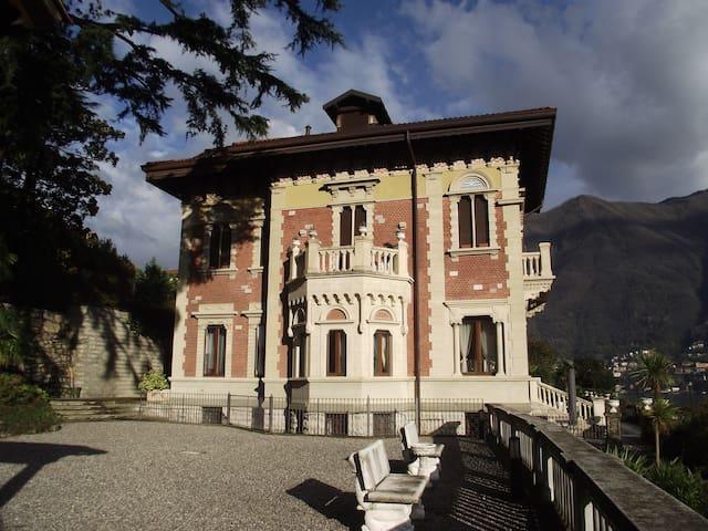 Villa Castiglioni Luxury Accommodation for 6 pax
