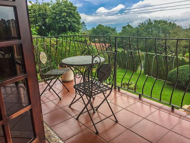 Habitación Privada en Casa con excelente vista