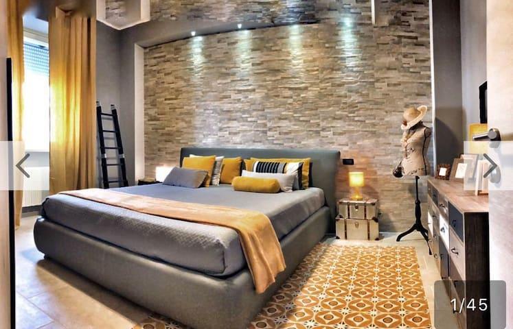 """""""La Paleologa """" appartamento in centro a Casale"""