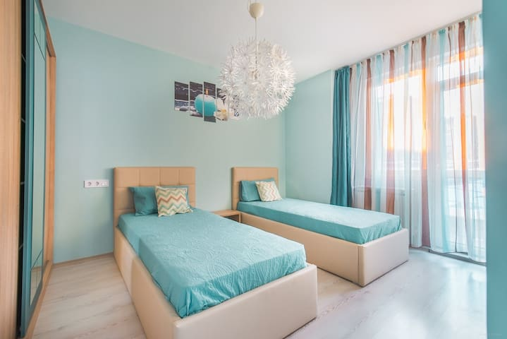 Ultra Blue - Stylish and Central One Bedroom