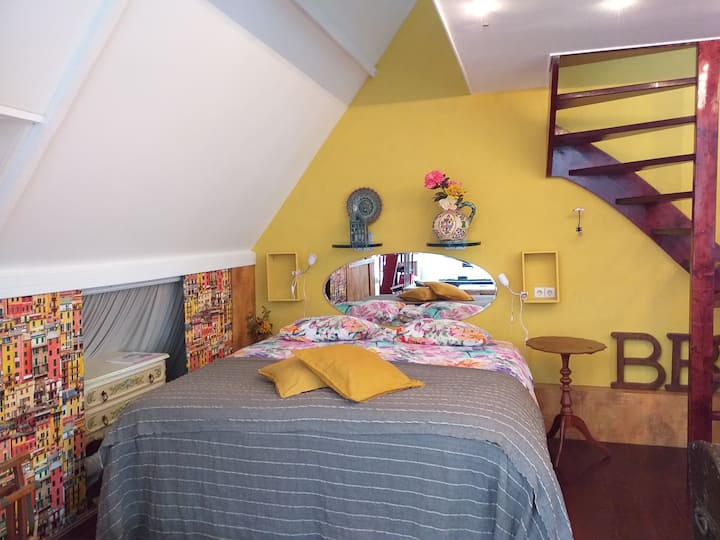 B&B Pottery - Spacious loft in colourfull arthouse