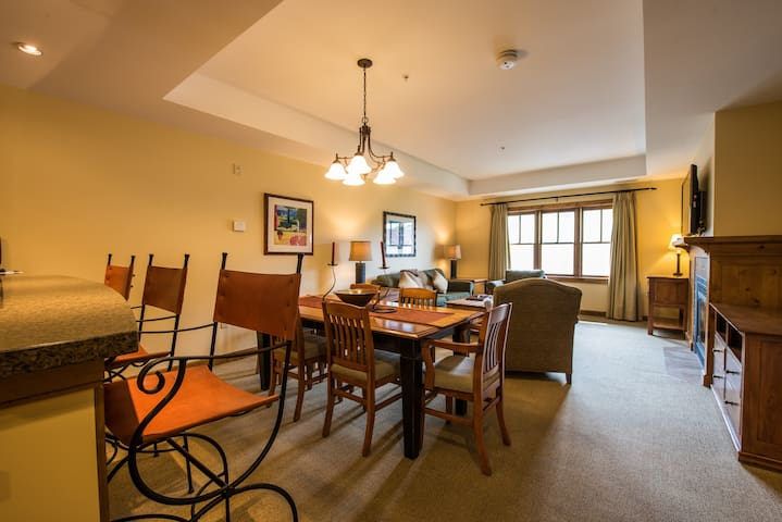 Near the Slopes! Bright + Modern Condo with Fireplace