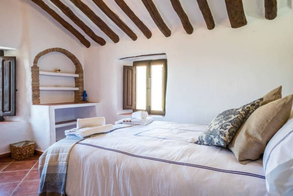 Serenety holistic house tranquility chambres d 39 h tes for Chambre d hote espagne
