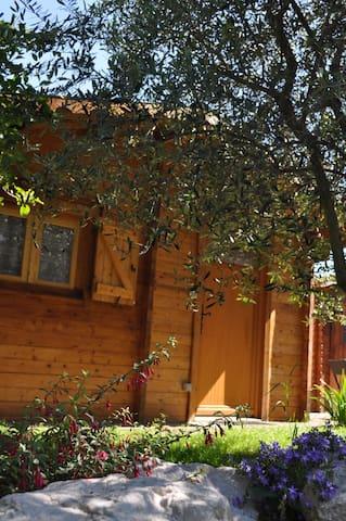 Beau chalet dans grand jardin - Toulouse - Bungalo