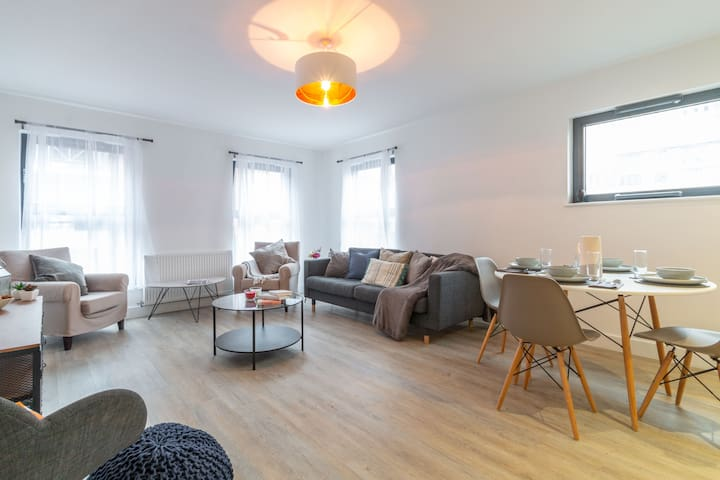 Chic New Apartment - Broad Street/ Brindley Place