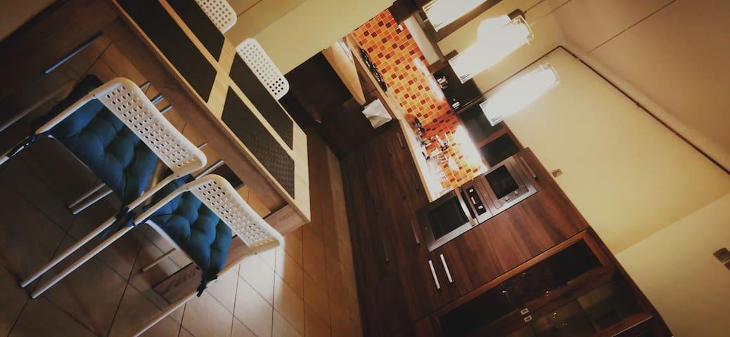 W&M Stylish Unique Apartment Near the Danube River