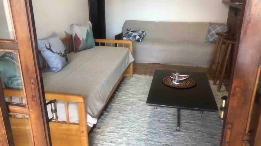 Sala de estar interna da casa