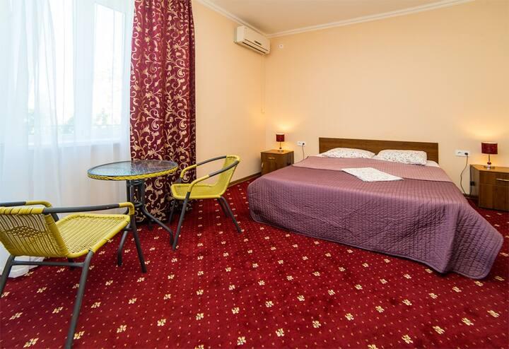 Комфортный 3-х звездочный отель у самого моря