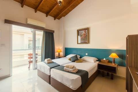 Private Studio Apartment in the Center of Larnaca