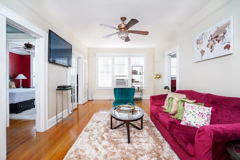 Chic Downtown Pl King bed FREE parking near beach