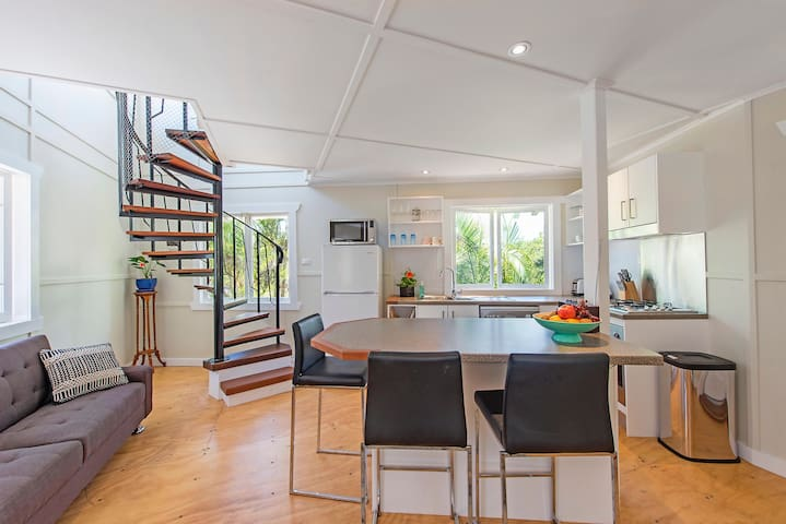 Tree Loft Studio  (brand new build) - Mullumbimby