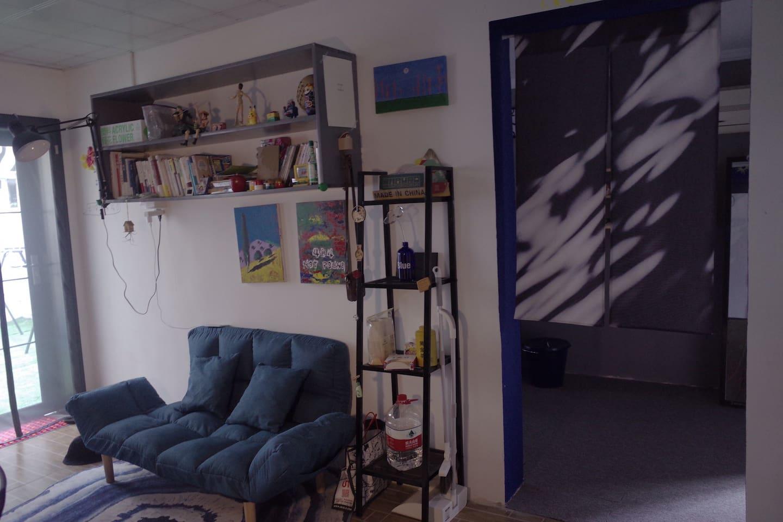 客厅的沙发 the sofa in the living room
