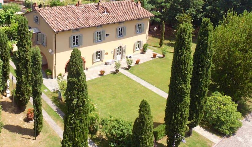 Charming apartment in Villa Orsucci