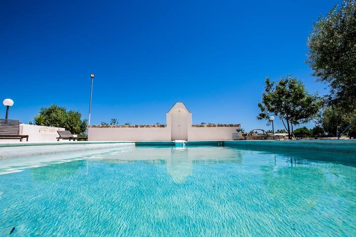 Trullo con piscina a Castellana g.