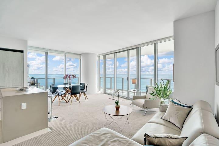 Luxury Beach Front/2 Bedrooms/2Bath