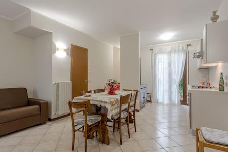 Casetta in residence con piscina - Chiodi II - Radhus