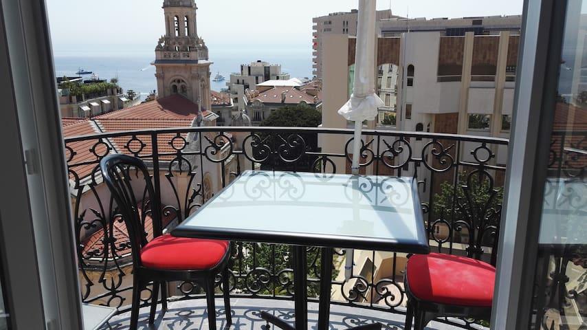 Apartment on the border of Monaco