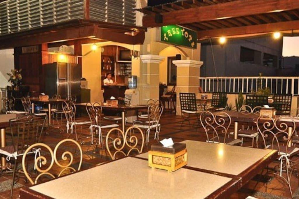 Rooftop/ restaurant
