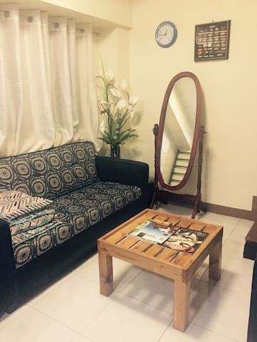 Affordable Room (with AC) - Manila - Flat