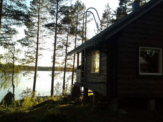 Rantamökki - Cottage by the lake
