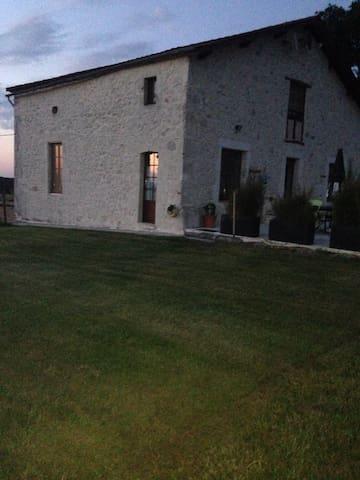 JEAN JOLI - Villeréal - Dům