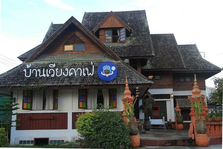 Baanwiangcafe, 3 rooms available at 2nd floor.