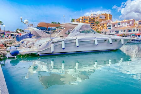 Yacht Private Living or Charter at Cabopino