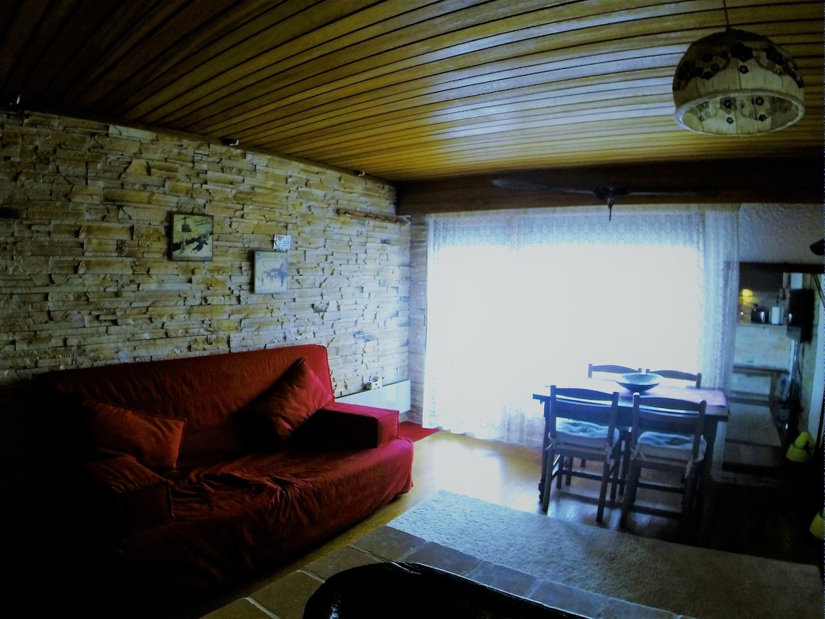 Places Vacation Rentalsamp; Stay Airbnb®Les To Alpes Deux OkZTiXuP