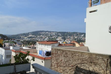 Tangier: Airy, Spacious Apartment with a View - Tanger - บ้าน