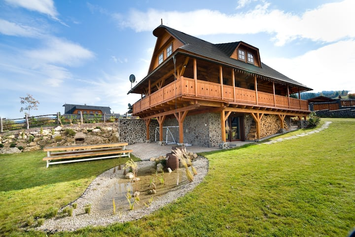 Chata Zlata chalet with sauna and jacuzzi