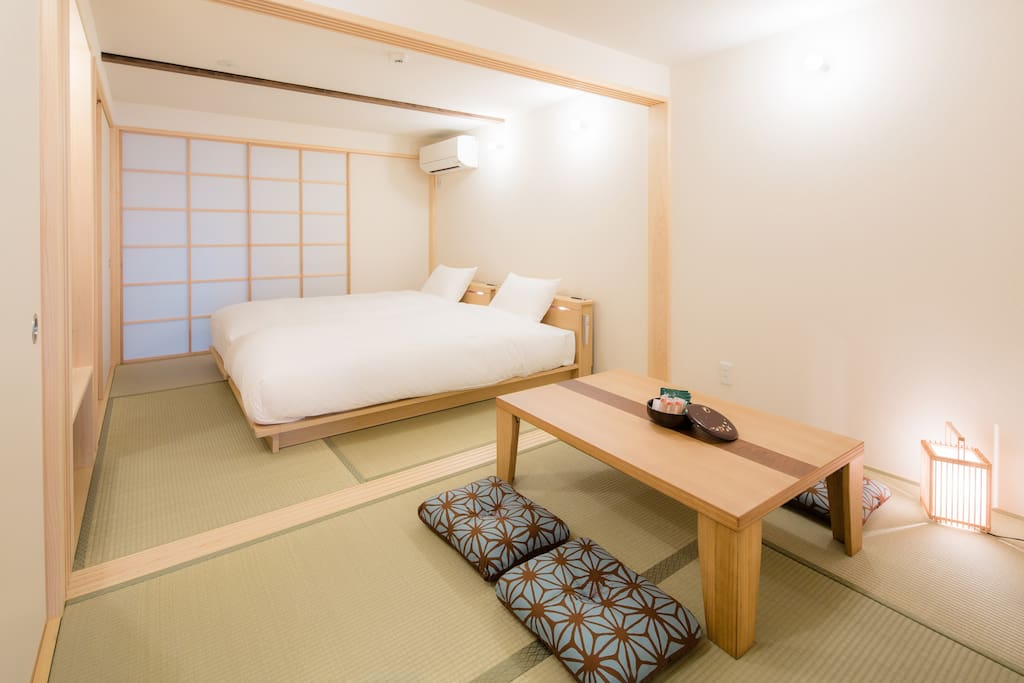 The view of the bed room on the 1st floor. TV available. 1階の寝室&和室の眺めです。TVが1台ございます。