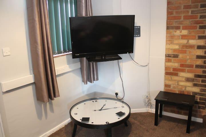 Riverside mews suite 3