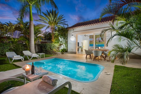 Relax Private villa with Heated pool, 3 bedrooms