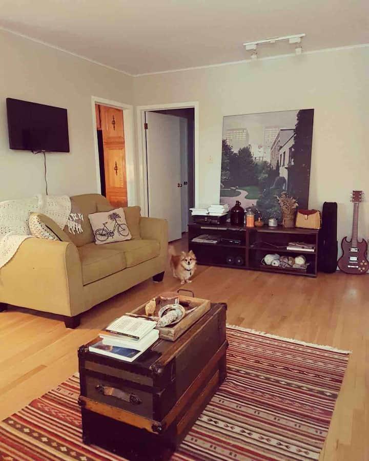 Cozy room in Experimental Farm area of Ottawa, ON