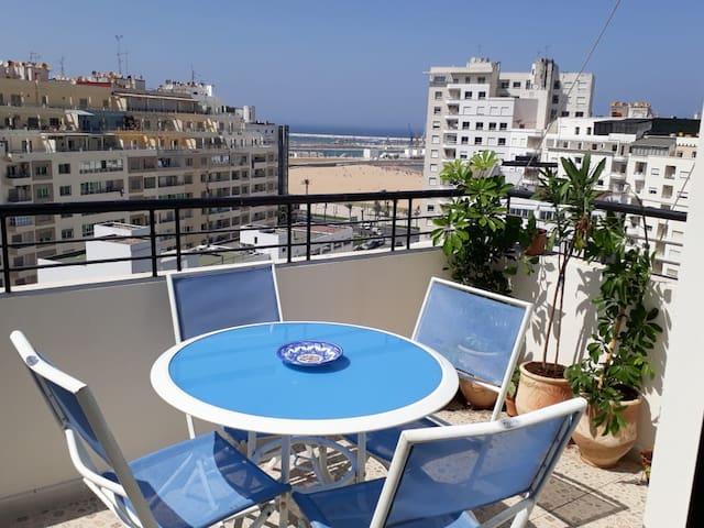 Appartement familiale avec balcon vue sur mer