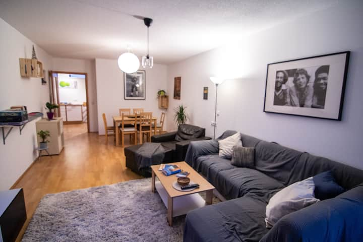 Spacious 3 Bedroom Apartment - Central Location