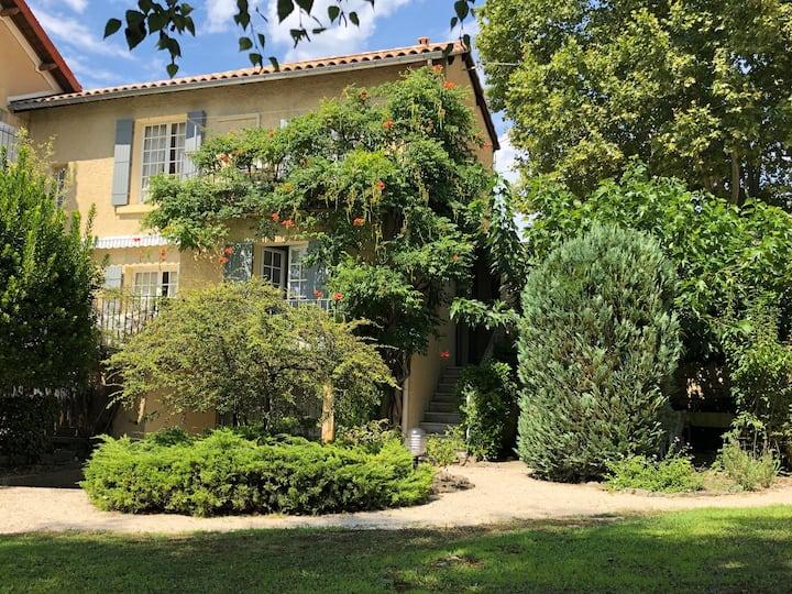 Maison familiale de vacances au calme avec jardin