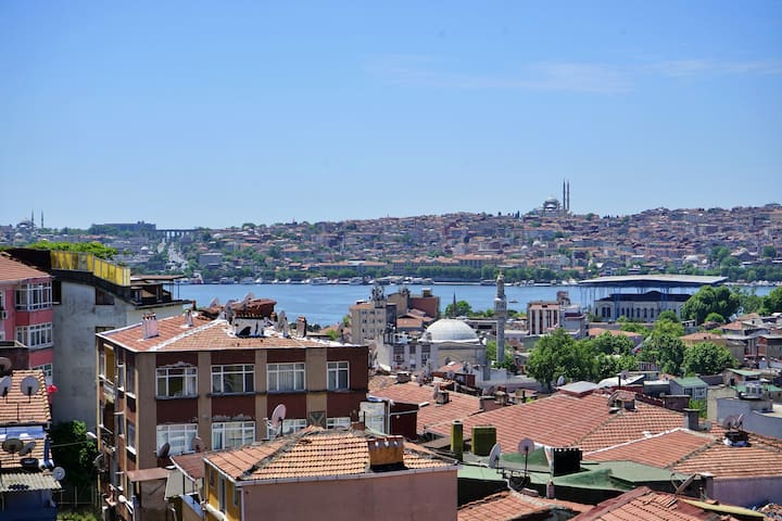 Duplex with Golden Horn view