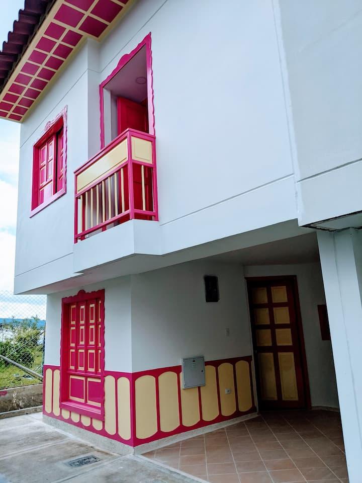 Casa familiar típica, cómoda y acogedora