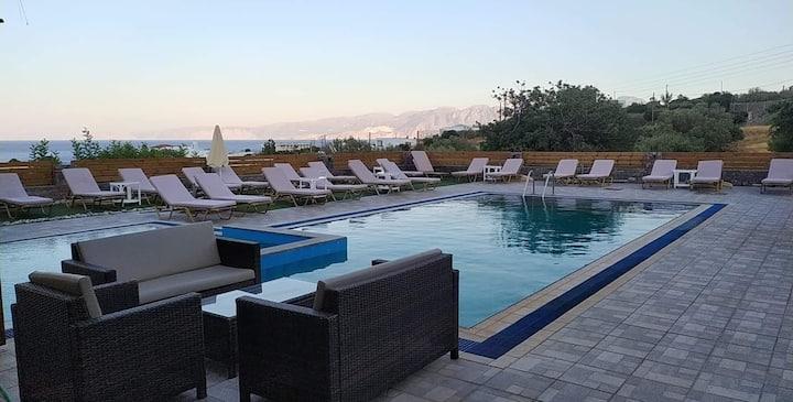 """Elounda Ocean view suites """"Ermis"""""""