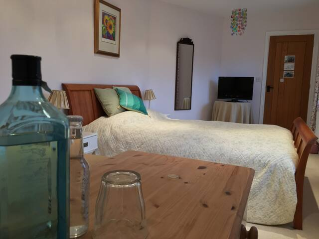 The Old Dairy - En-suite Double with Kitchenette