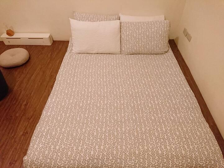 | 逢甲 | 二樓 | 雙人房(C) | 獨立空間 | 共用衛浴 |