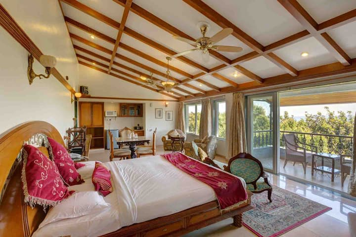 Royal Suite for couples/families in Mahabaleshwar