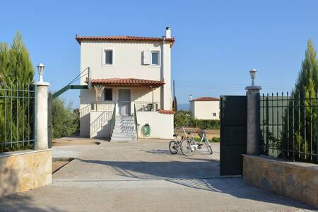 Impressive maisonette, Eretria, Evia - Eretria - House