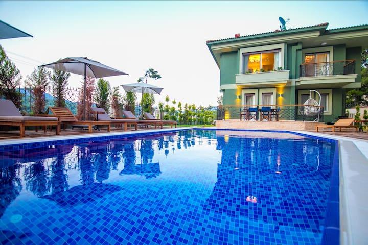 Luxury Villa Daily Weekly Rental in Marmaris