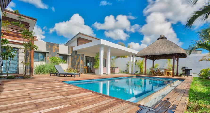 Luxury Villa (Beach & Golf 10min - Shops 5 min)
