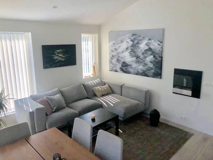 Beautiful, quiet & clean apartment in heart of HFJ
