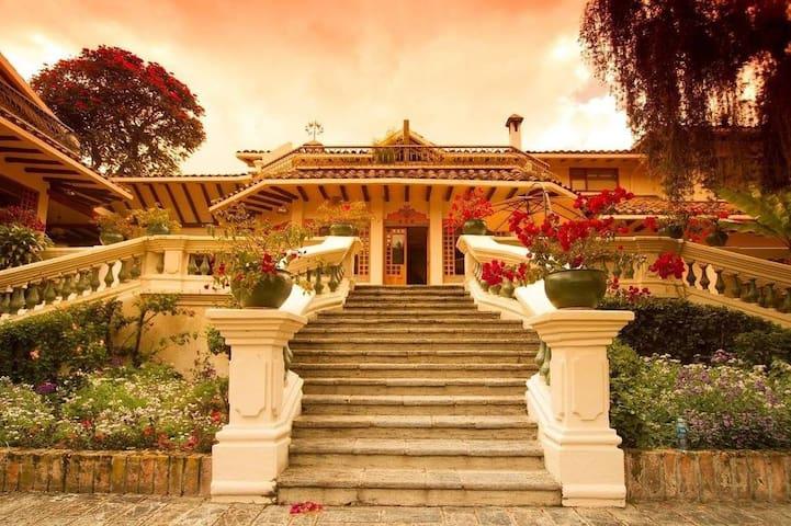 Hacienda Uzhupud - Descanso y Confort - Cuenca - Natur-Lodge